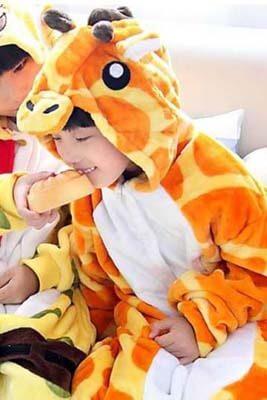 Giraf-detskij-kigurumi