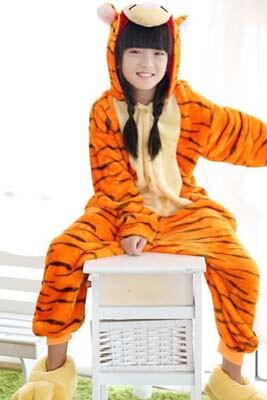 Tigra-geltyj-kigurumi-detskij-1